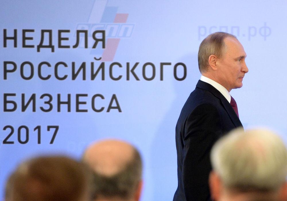Presidente da Rússia, Vladimir Putin, na sessão plenária da União dos Industriais e Empresários da Rússia