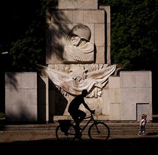 Monumento da Gratidão ao Exército Soviético em Varsóvia, Polônia