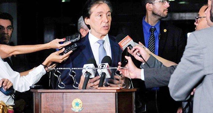 O presidente do Senado Eunício Oliveira assumiu o compromisso de pautar projeto sobre terceirização que está no Senado