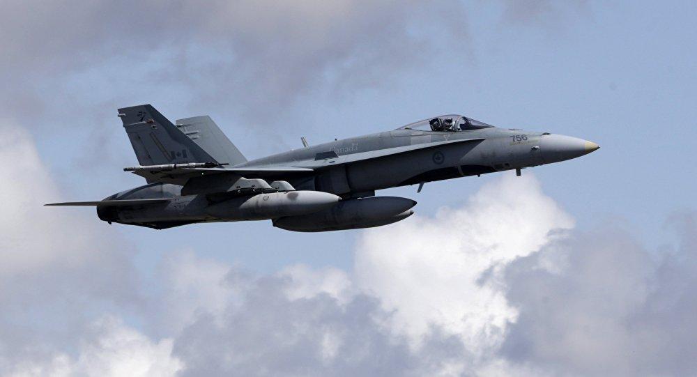 Um caça CF-18 da Força Aérea Real do Canadá (arquivo)