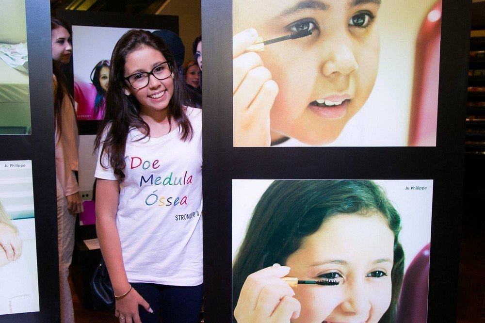 Kauanny Falavinha, de 17 anos, descobriu a leucemia aos 12 anos e precisou fazer dois transplantes de medula óssea.