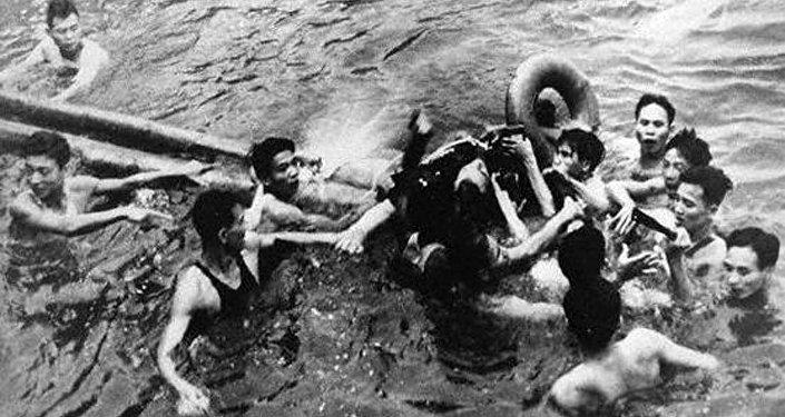 John McCain caiu no lago de Hanói, 6 de outubro de 1967