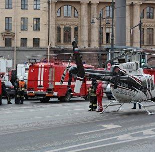 Corpo de Bombeiros do Ministério para Situações de Emergência da Rússia atendendo a um chamado em  São Petersburgo (arquivo)