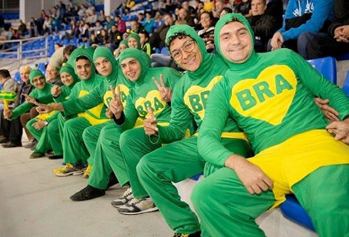 Grupo organizado de torcedores, os Chapolins Brasileiros, que se viralizou nas redes e ficou conhecido devido à participação ativa nas Olimpíadas 2016
