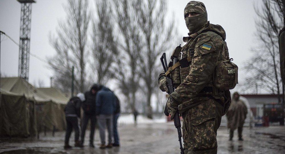 Militar ucraniano em Avdeevka (foto de arquivo)