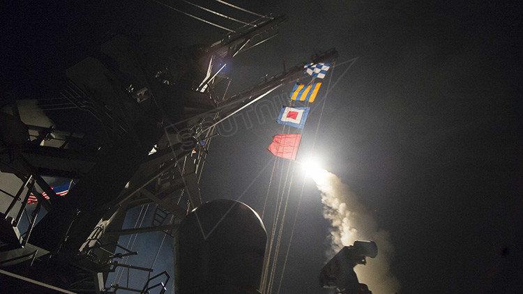Imagens do ataque americano à base síria em Jan Sheijun.