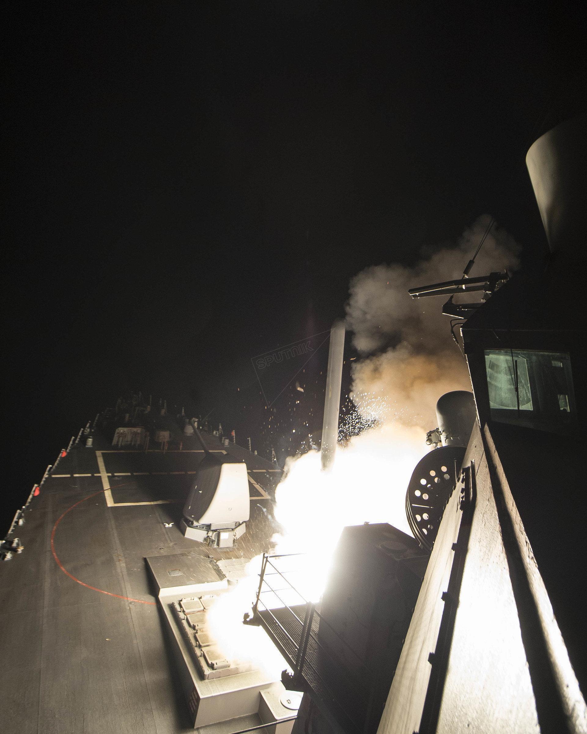 Segunda imagem do ataque americano à base síria em Jan Sheijun.