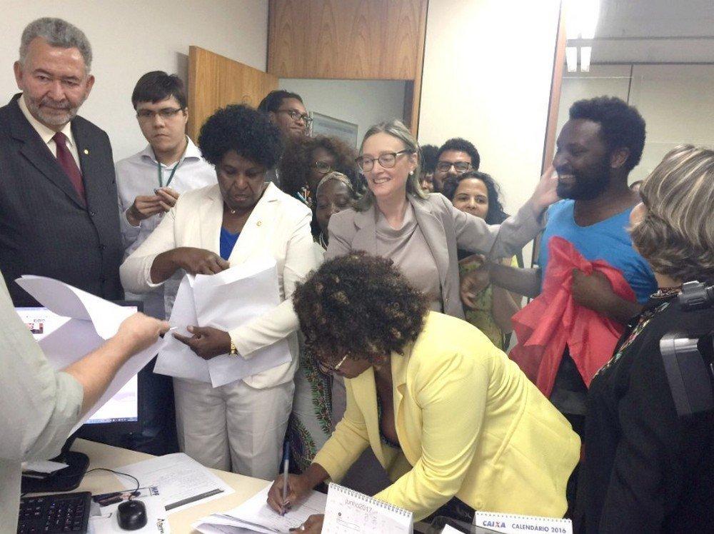 Deputadas do PT e Organizações Quilombolas e de de direitos de negros e negras em representação na PGR contra o deputado Bolsonaro
