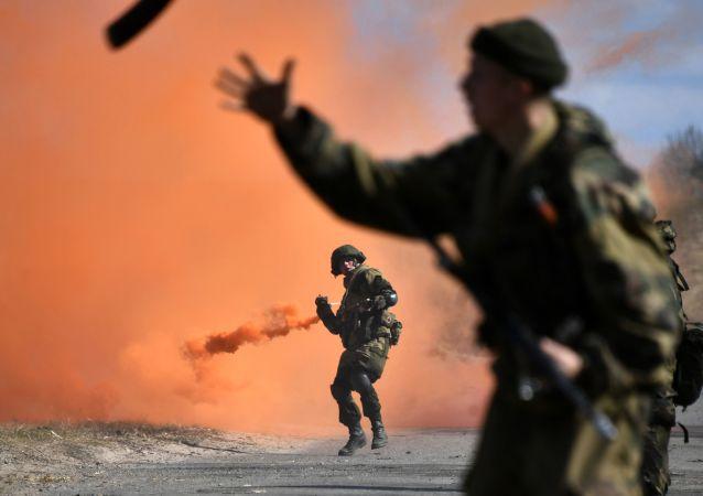 Treinamentos táticos conjuntos das tropas paraquedistas da Rússia e Bielorrússia