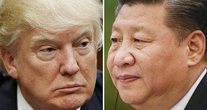 O presidente dos EUA, Donald Trump (à esquerda) e o líder chinês, Xi Jinping