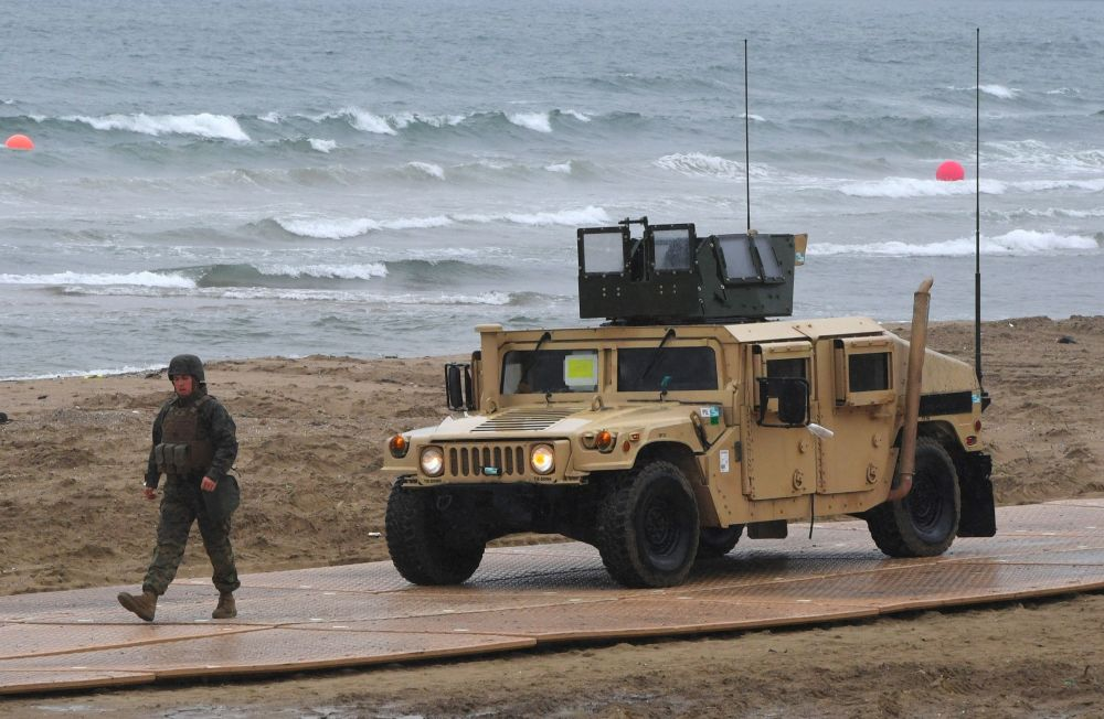 Marine dos EUA durante treinamentos conjuntos dos EUA e Coreia do Sul em Pohang, a 260 km de Seul, 11 de abrir de 2017
