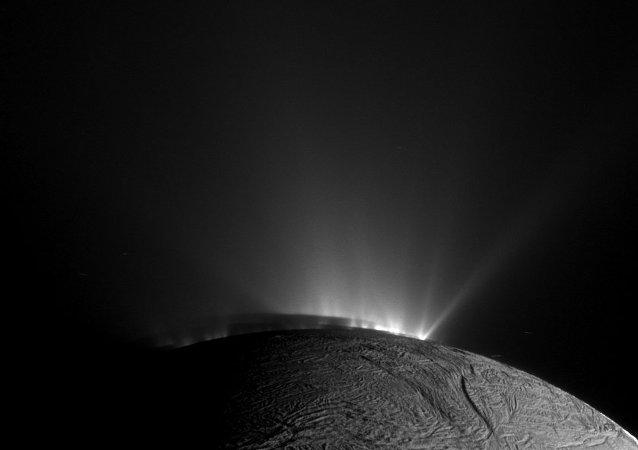 Encélado o satélite de Saturno