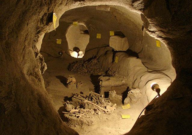 Cidade subterrânea localizada embaixo de Samen, província de Hamadã, Iraque