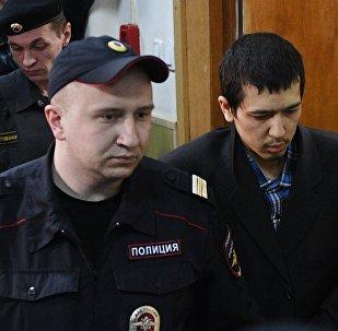 Abror Azimov no tribunal Basmany em Moscou, 18 de abril de 2017