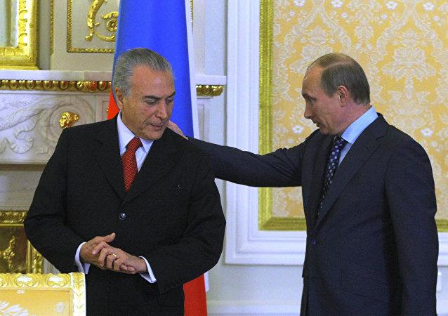 Encontro entre Vladimir Putin e Michel Temer em Moscou, em 2011