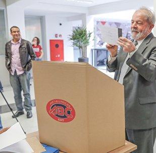 Lula fala na eleição do Sindicato dos Metalúrgicos do ABC