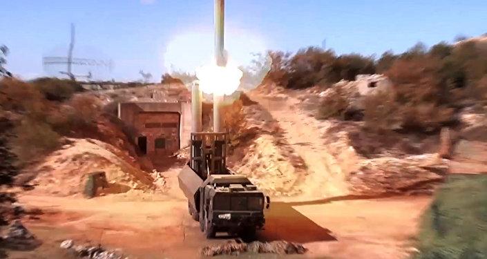 Lançamento de míssil Oniks por um sistema Bastion, foto de arquivo