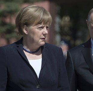 A chanceler alemã, Angela Merkel, com o presidente da Rússia, Vladimir Putin (arquivo)