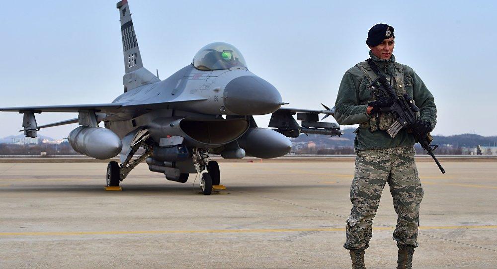 Militar norte-americano na base aérea de Osan na Coreia do Sul (foto de arquivo)