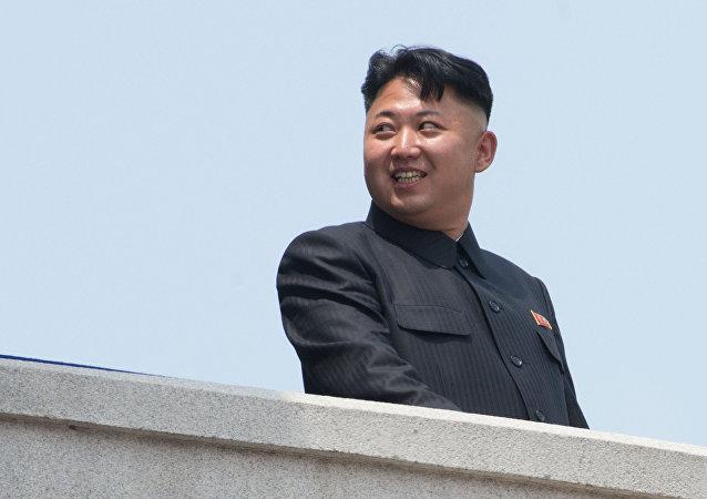 Kim Jong-un durante a comemoração dos 60 anos do fim da Guerra das Coreias, em 2013 (foto de arquivo)