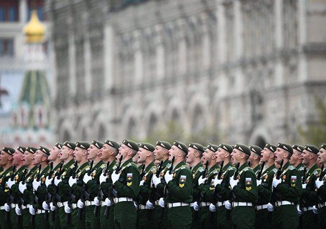 Militares russos na Parada Militar dedicada ao 72º aniversário da Vitória na Grande Guerra pela Pátria na Praça Vermelha em Moscou, 9 de maio de 2017