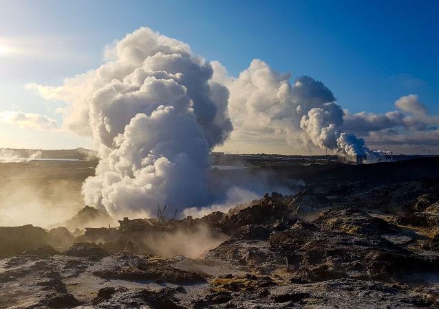 géiser Gunnuhver na Islândia