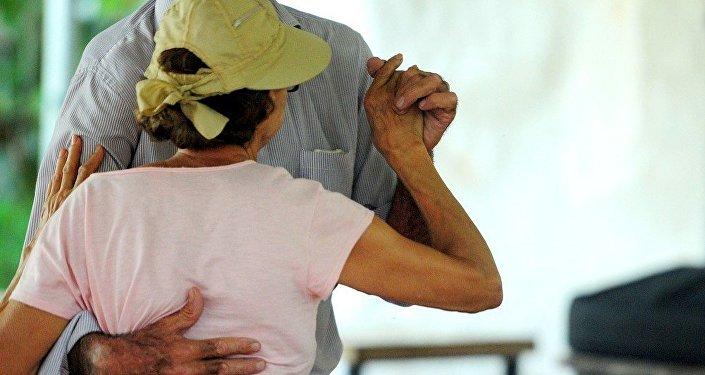 Após pedidos dos frequentadores, o Cerpis de Planaltina incluiu no quadro de atividades o forró terapia.