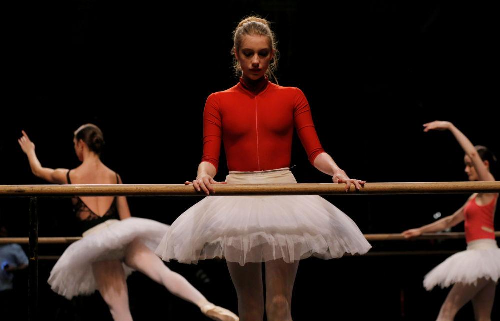 Ensaio de bailarinas australianas