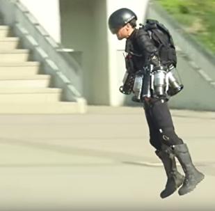 Homem de Ferro se torna real com criação deste traje voador