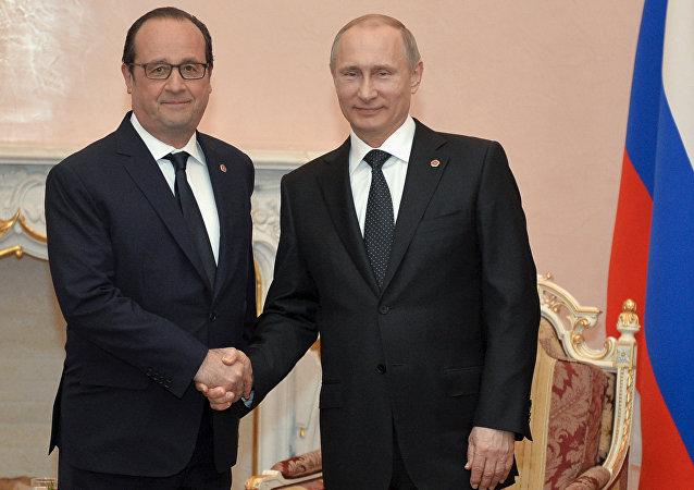 François Hollande e Vladimir Putin.