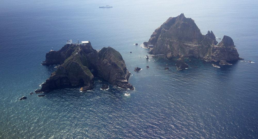 Ilhas disputadas Takeshima (Dokdo) no mar do Japão (também conhecido como mar do Leste)