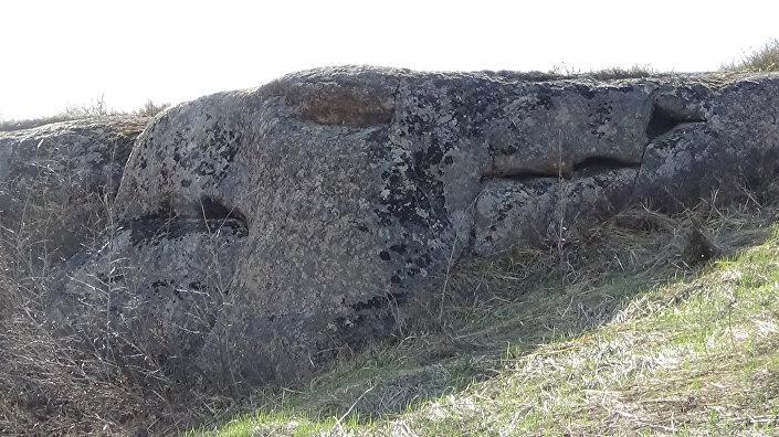 Grifo – um antigo megalito descoberto nas Montanhas de Altai, na Rússia