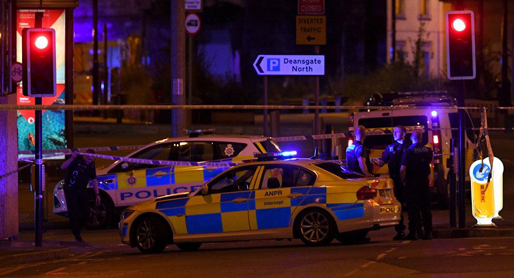 Polícia chamada após explosão em show de Ariana Grande