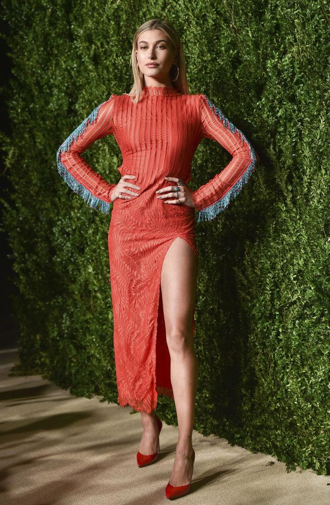 Hailey Baldwin na 13ª edição do evento de gala CFDA/Vogue Fashion em Nova York