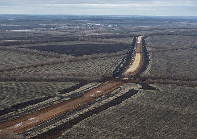 Via férrea que unirá regiões russas se desviando Ucrânia será inaugurada em 2017