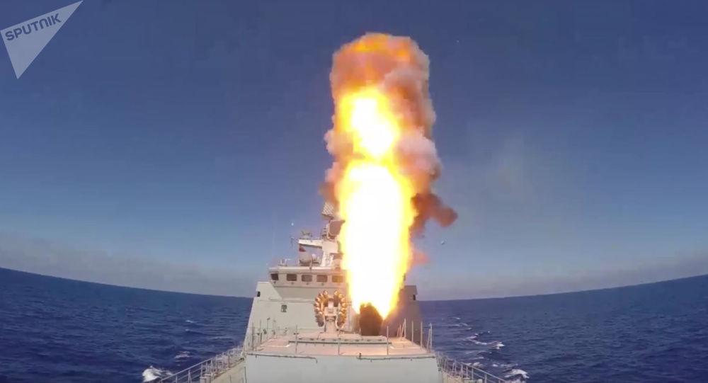 Rebeldes abatem avião russo — Síria