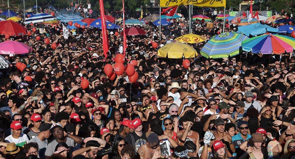 Manifestação no Largo da Batata reuniu 100 mil pessoas, segundo os organizadores