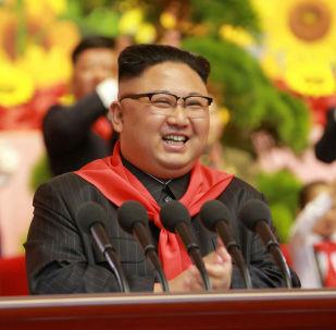 Kim Jong-un participa de congresso das crianças