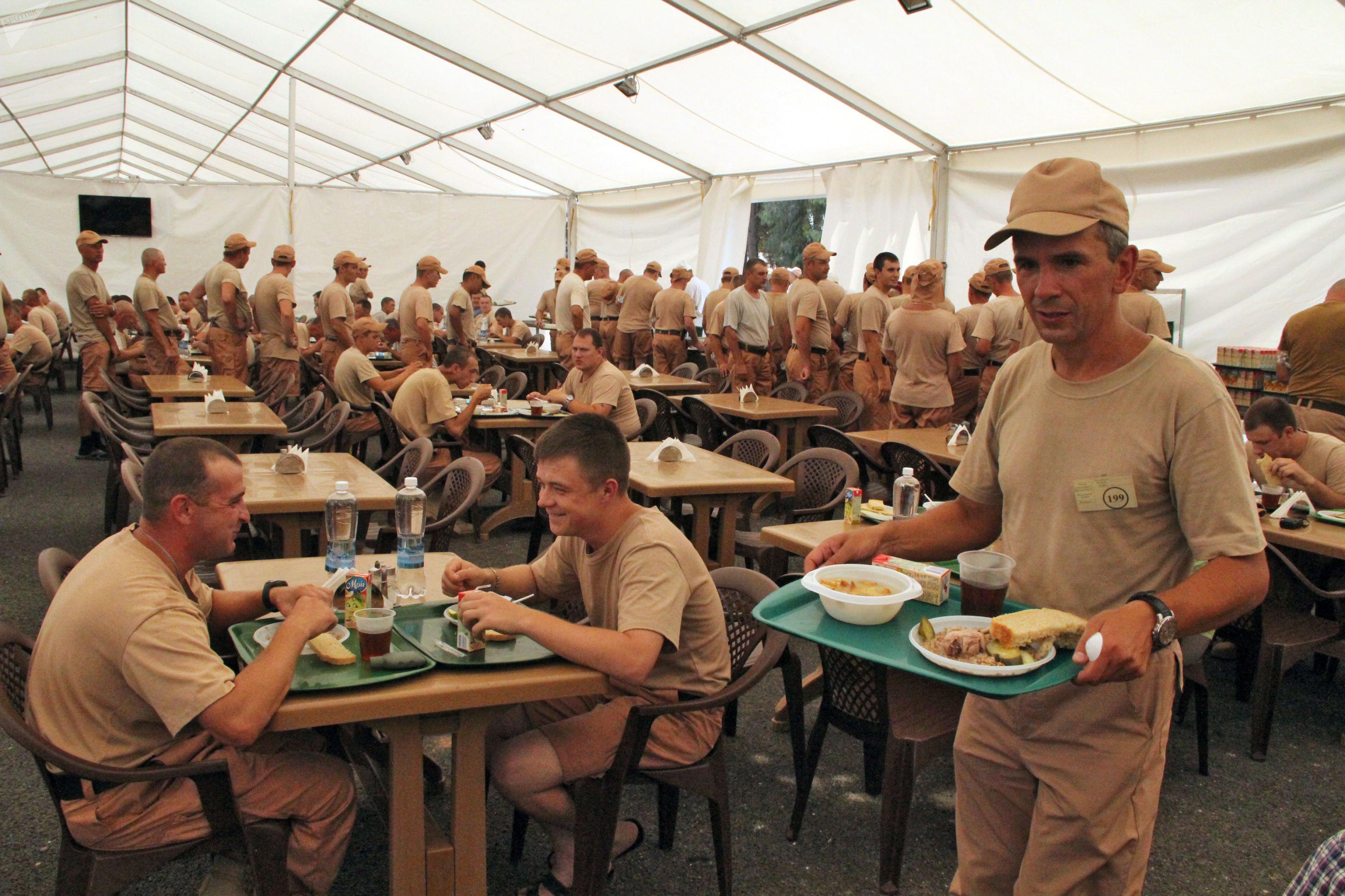 Uma cantina para os militares russos na base aérea de Hmeymim, na Síria