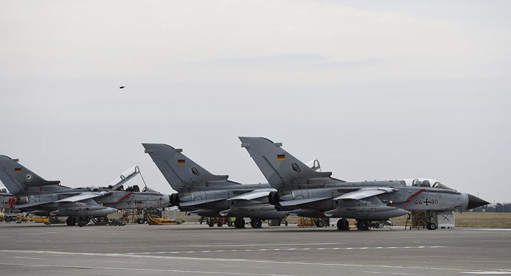 Caças alemães Tornado na base áerea de Incirlik, Turquia, janeiro de 2016