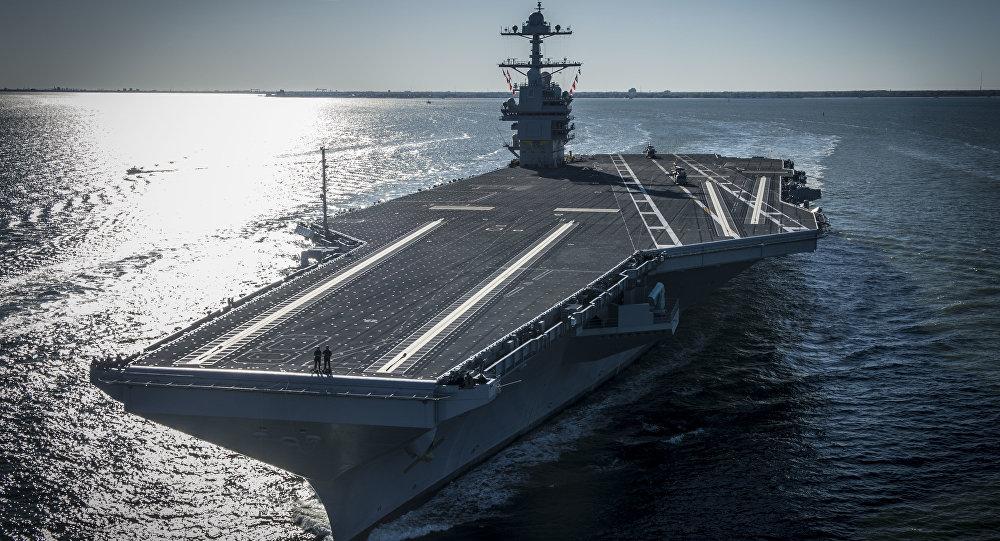 O porta-aviões norte-americano USS Gerald R. Ford