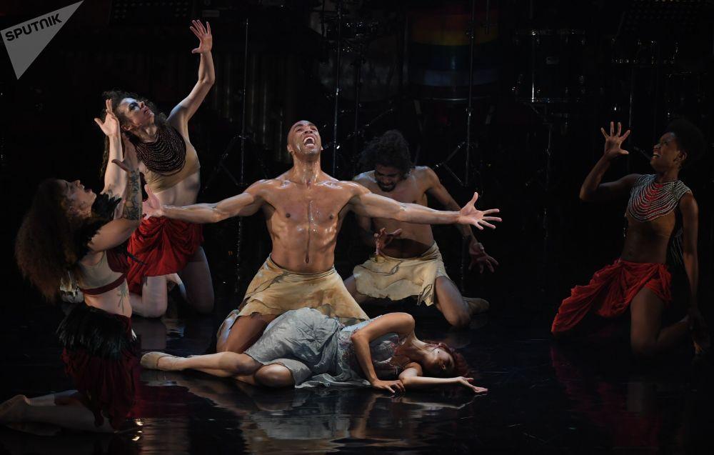 Musical Vozes da Amazônia em um dos teatros de Moscou