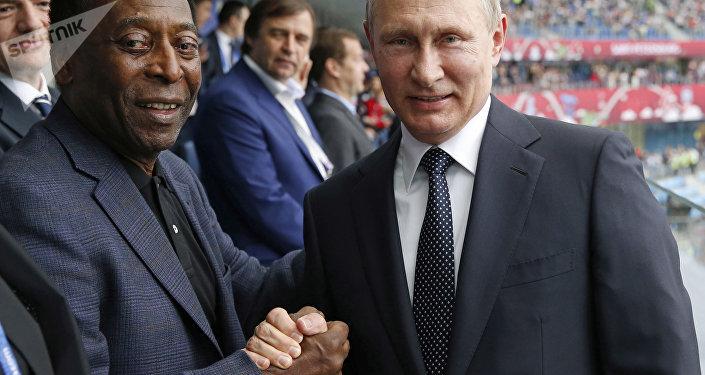 O presidente russo Vladimir Putin e Pelé