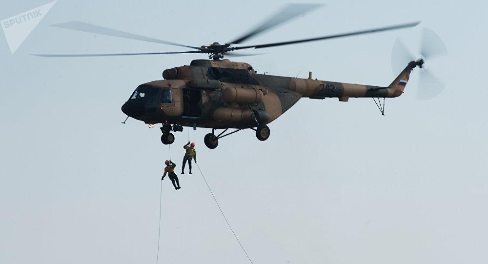 Helicóptero russo de transporte Mi-17.