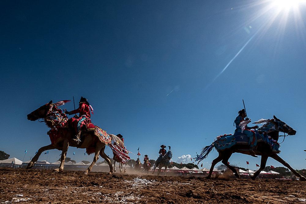 A Cavalhada de Poconé é considerada uma das maiores manifestações culturais do Mato Grosso