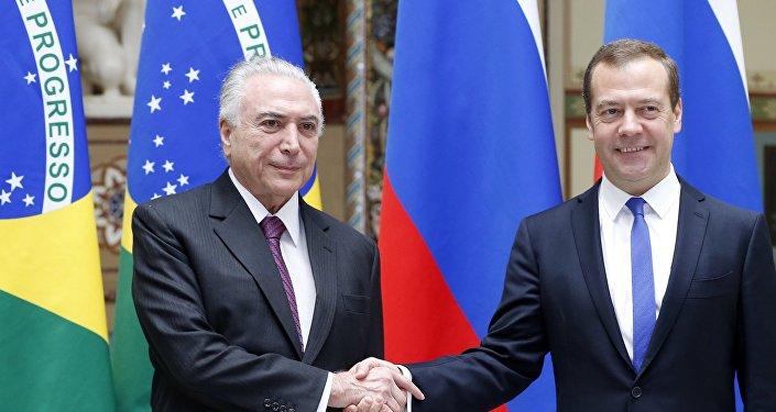 O presidente do Brasil, Michel Temer e o premiê da Rússia, Dmitry Medvedev durante encontro oficial em 21 de junho de 2017
