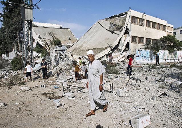 Escola em Gaza arrasada por um ataque.