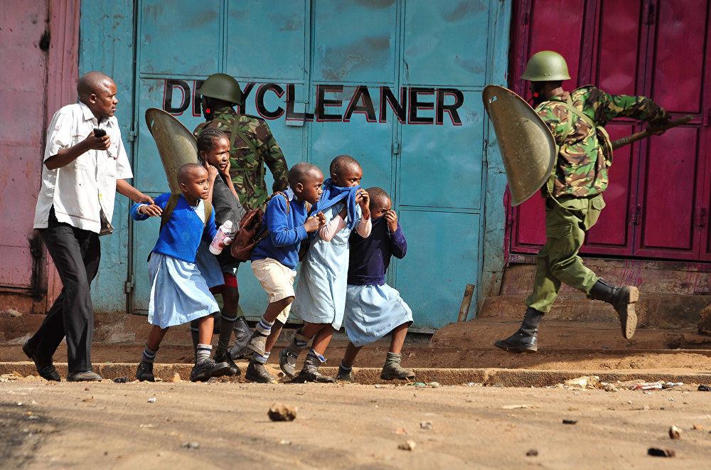 A oposição protesta, do fotojornalista queniano Kevin Midigo