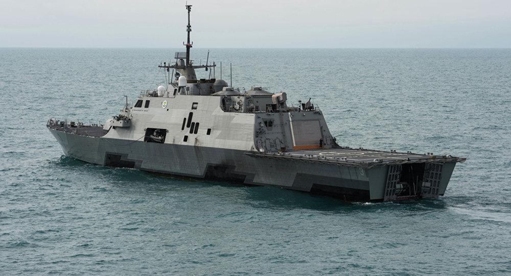 O navio de combate litoral USS Fort Worth (LCS 3)