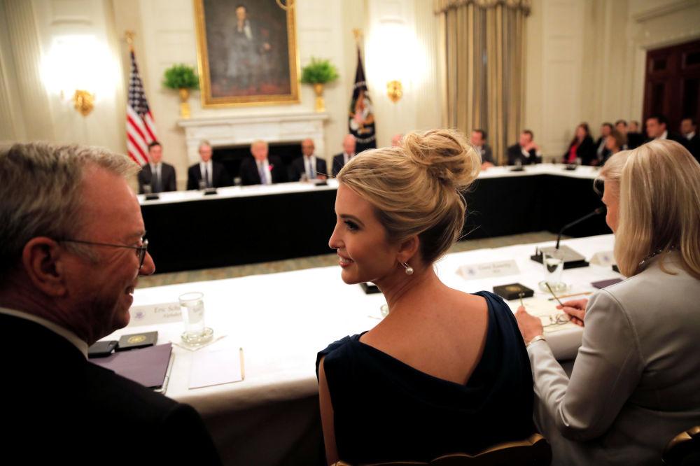 Ivanka Trump participa de sessão do Conselho Tecnológico dos EUA na Casa Branca